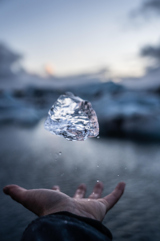 ダイヤモンドが持つ意味は?パワーストーンとしての効果一覧恋愛やお守り効果について