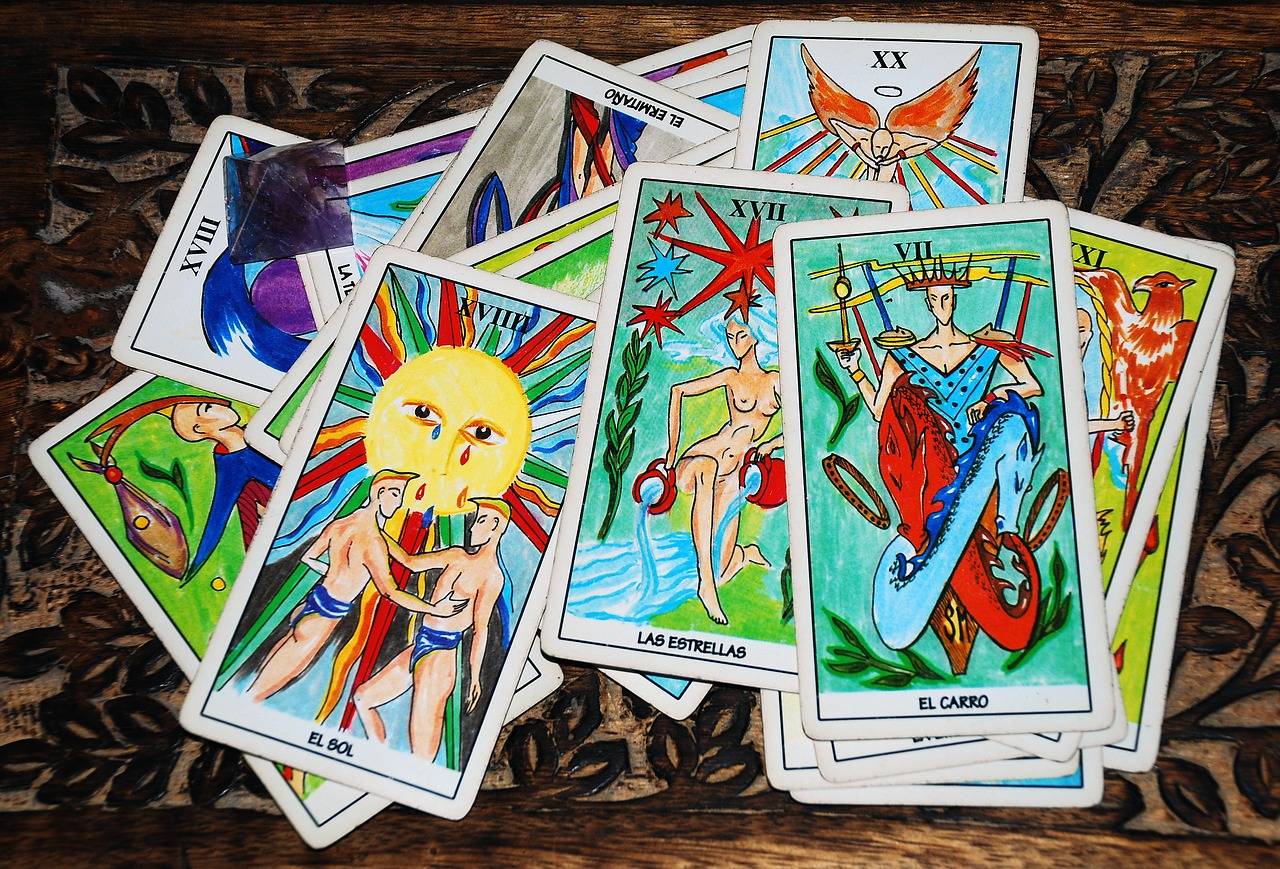 タロットカード占い太陽 正位置・逆位置で恋愛、復縁、片思い・浮気・出会いはどうなる?