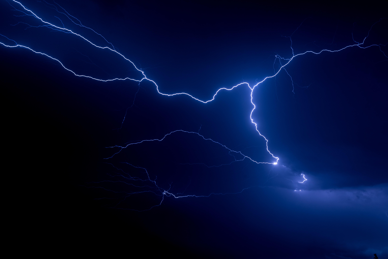 夢占いが示す雷の意味は?雷の夢が持つ意味やサインについて徹底調査