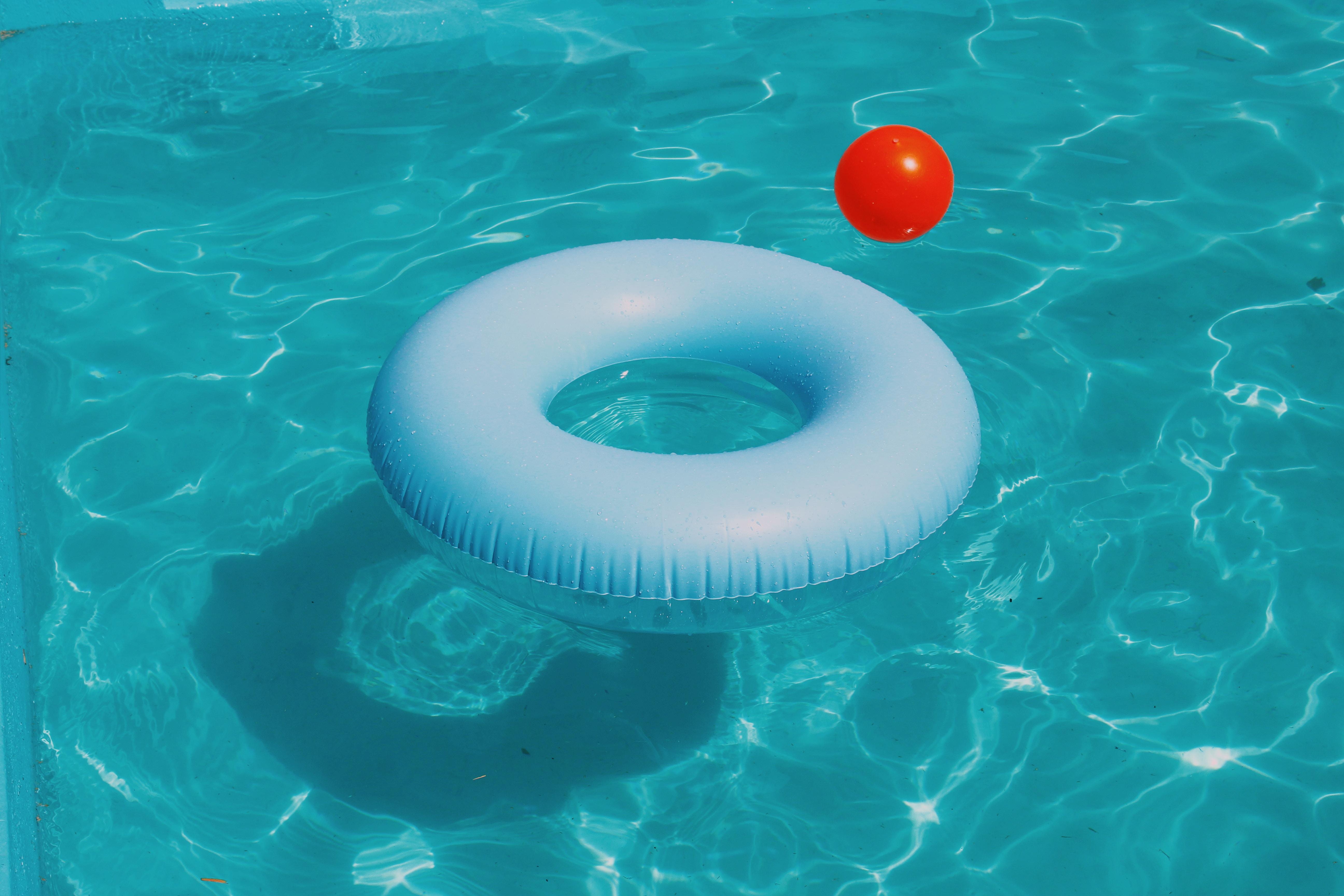 夢占いでプールが意味するサインは?プールが夢に出てきた夢の意味を解説