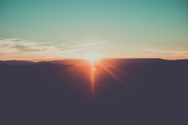 【手相占い】太陽線について徹底解説 手相の太陽線の見方のポイントをまとめました