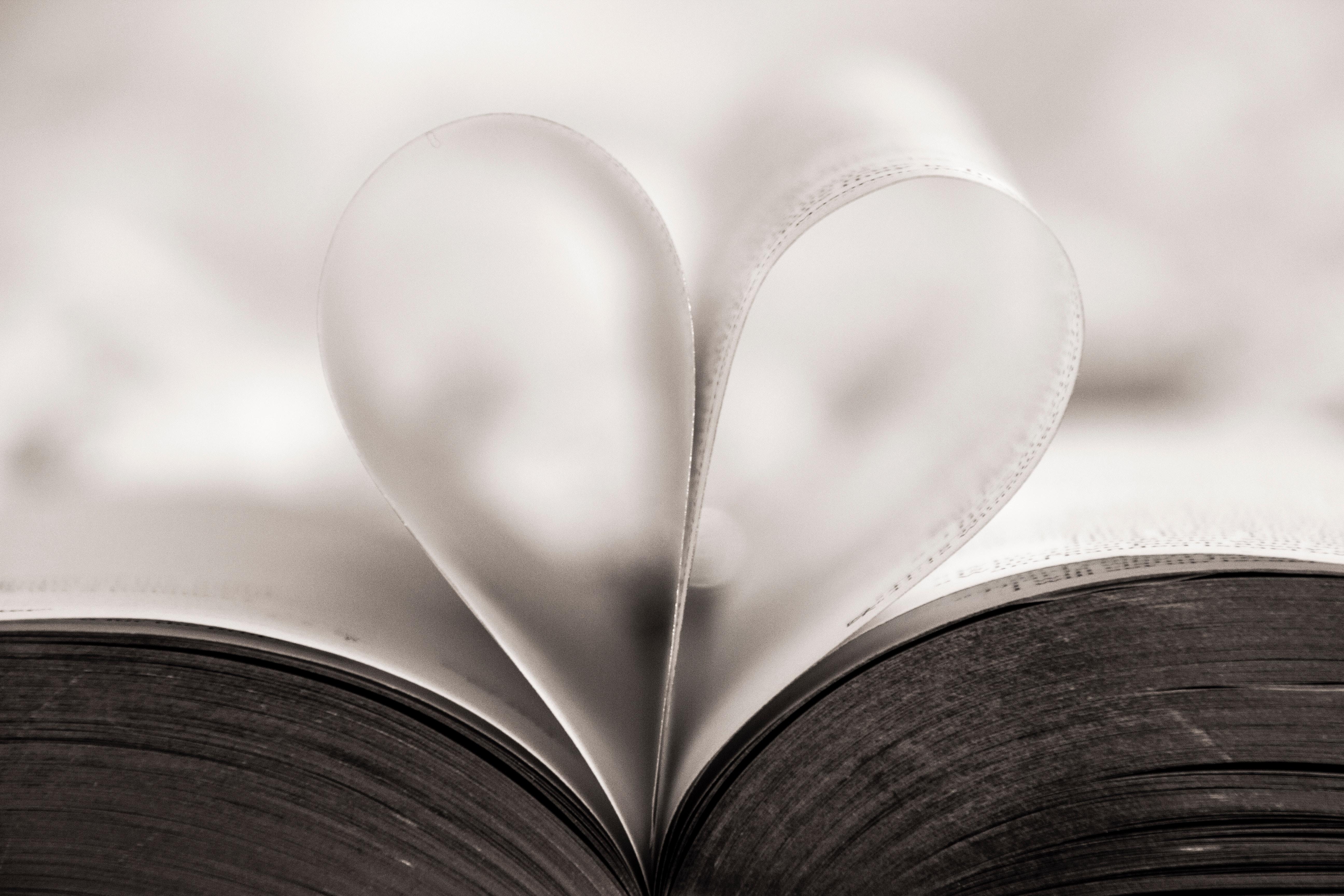 ブルーレースアゲードが持つ意味は?パワーストーンとしての効果一覧 恋愛やお守り効果について