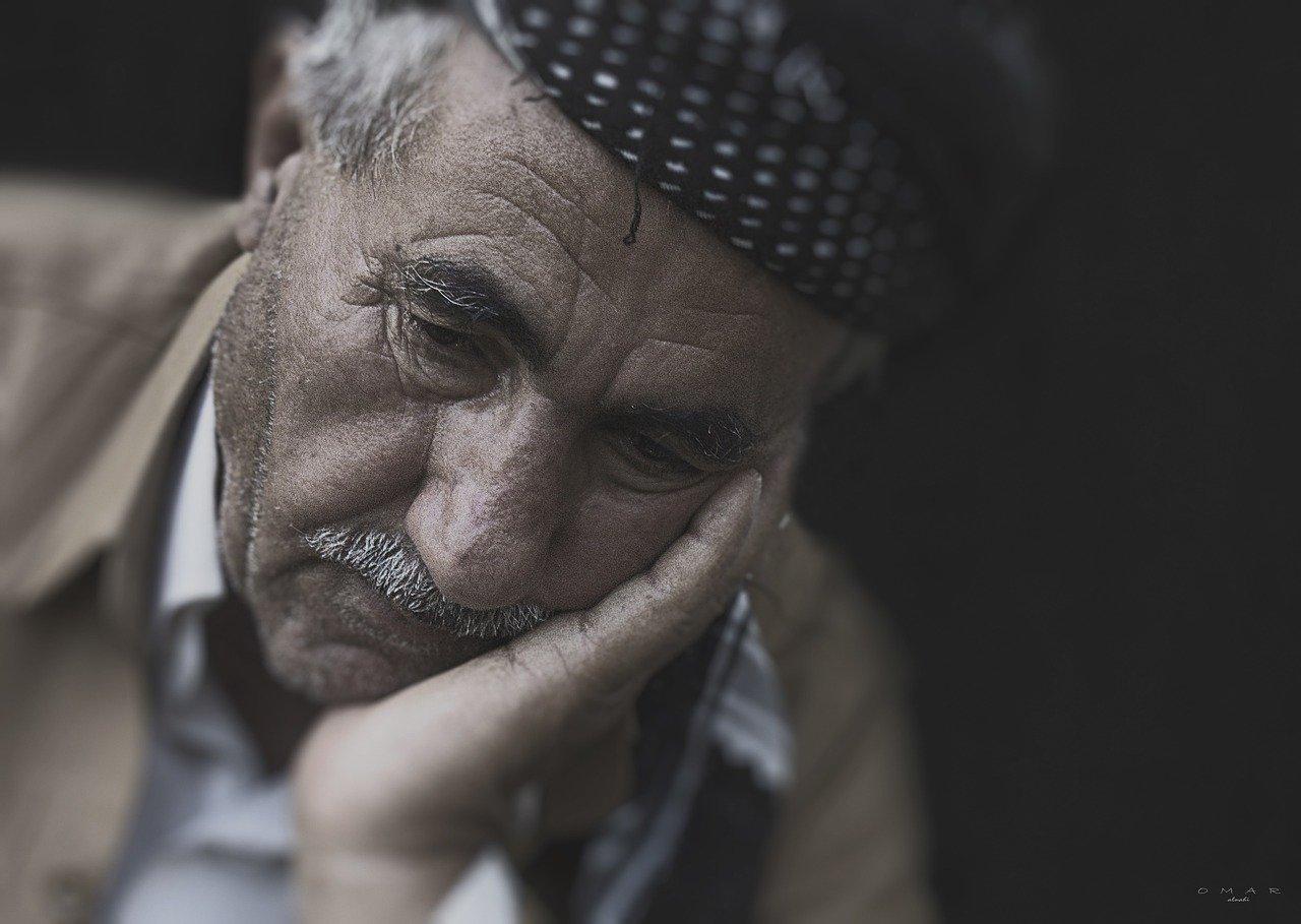 【夢占い】祖父が死ぬ夢は何のサイン?祖父が死ぬ夢の意味を調査