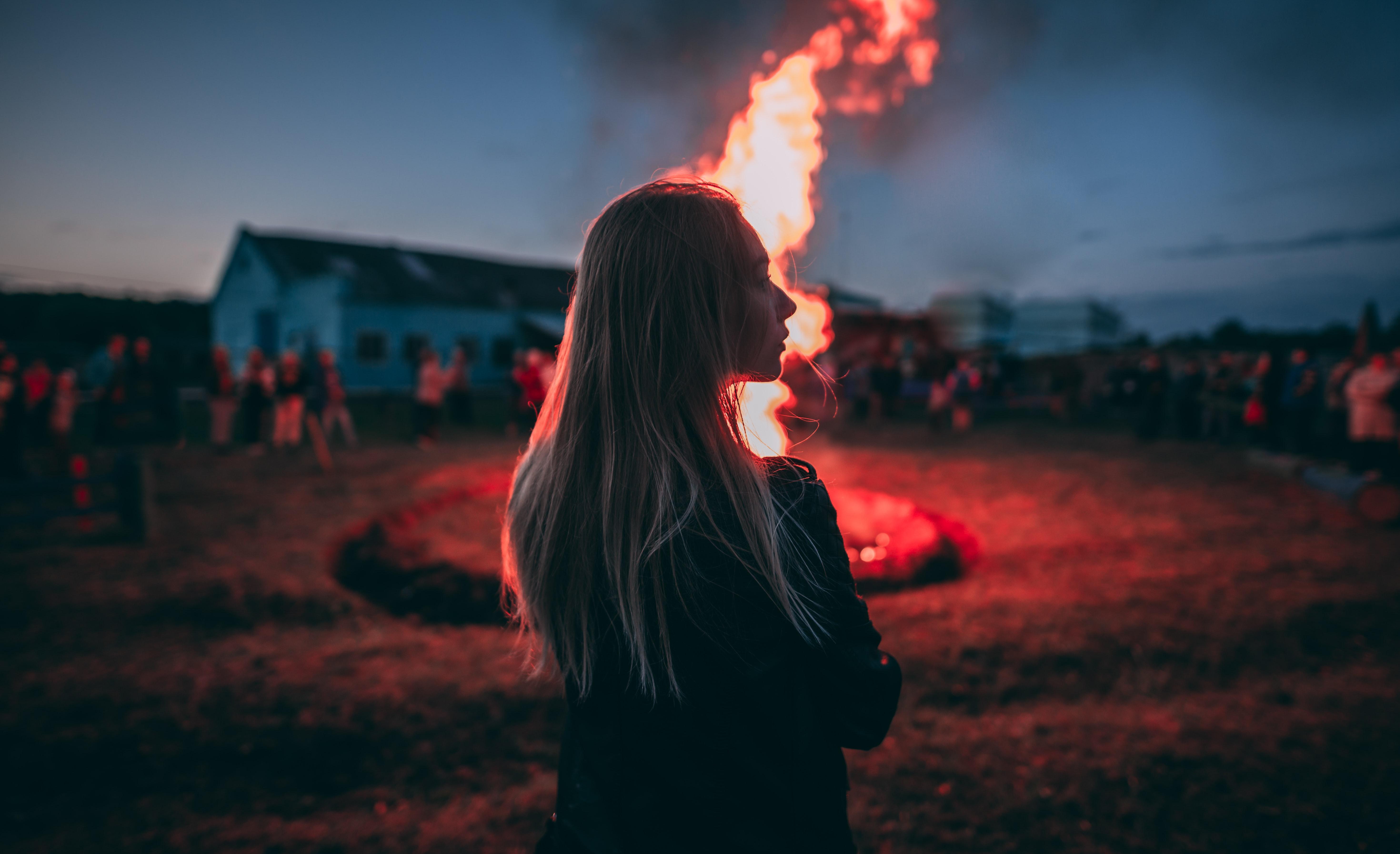 【夢占い】焼死の夢は何のサイン?焼死の夢の意味を解説